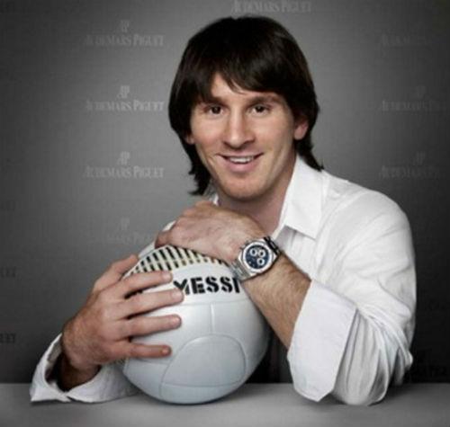 Messi, Ronaldo cắt tóc, ai sành điệu hơn? - 4