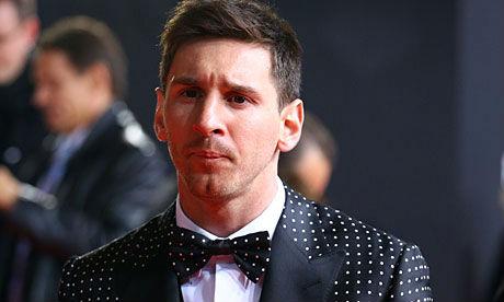 Messi, Ronaldo cắt tóc, ai sành điệu hơn? - 7