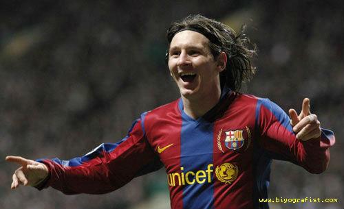 Messi, Ronaldo cắt tóc, ai sành điệu hơn? - 5