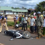 Tin tức ô tô - xe máy - Đi xe máy ở nông thôn dễ chết hơn