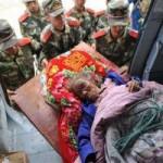 Tin tức trong ngày - TQ: Giải cứu bà cụ bị chôn vùi 2 ngày do động đất