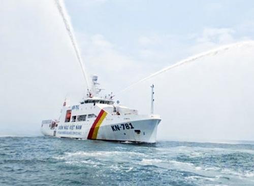 Tàu kiểm ngư hiện đại nhất VN về đến Vũng Tàu - 1