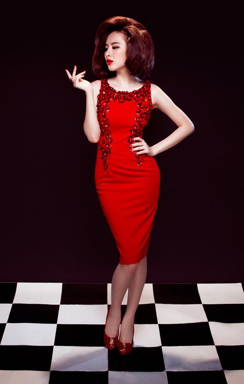 Angela Phương Trinh quyến rũ mê hồn với váy ren - 10
