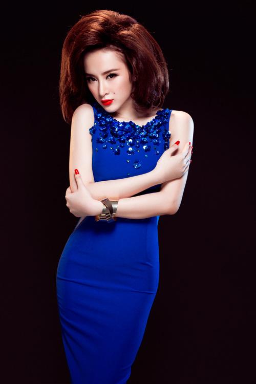 Angela Phương Trinh quyến rũ mê hồn với váy ren - 1