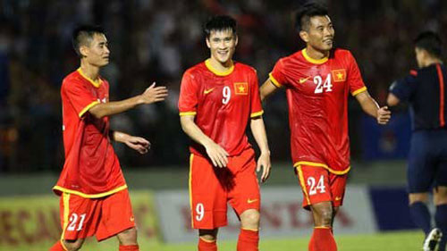 """ĐT Việt Nam & AFF Cup 2014: Vỗ tay ở """"ao làng"""" - 2"""