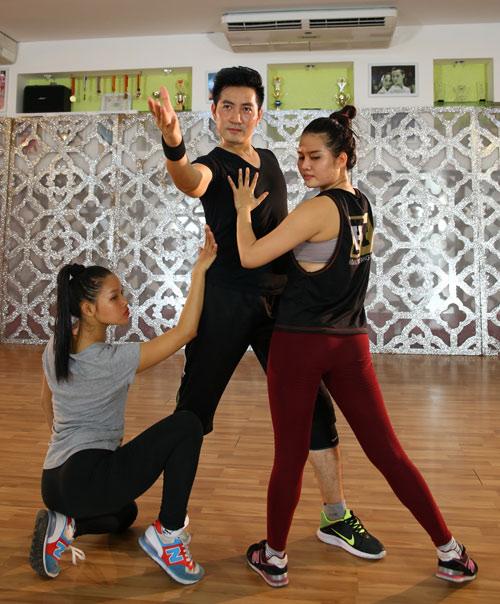 """Nguyễn Phi Hùng tập luyện 12 tiếng để """"lột xác"""" sexy - 5"""