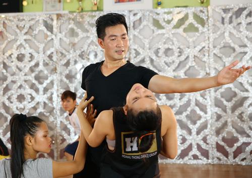 """Nguyễn Phi Hùng tập luyện 12 tiếng để """"lột xác"""" sexy - 7"""