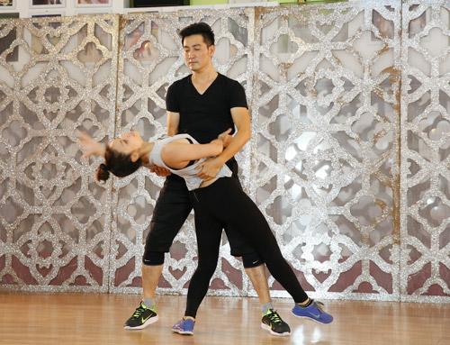 """Nguyễn Phi Hùng tập luyện 12 tiếng để """"lột xác"""" sexy - 3"""