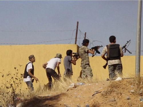 Toàn cảnh chiến sự Libya buộc 750 lao động VN về nước - 1
