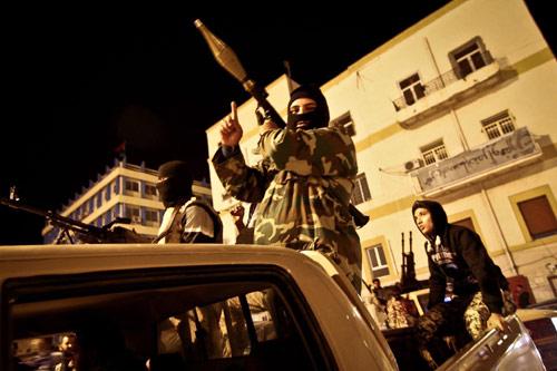Toàn cảnh chiến sự Libya buộc 750 lao động VN về nước - 2