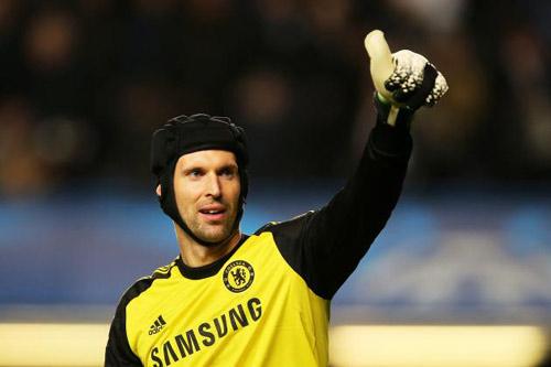 Chelsea: Đáng gờm hơn nhờ Petr Cech và Courtois - 2