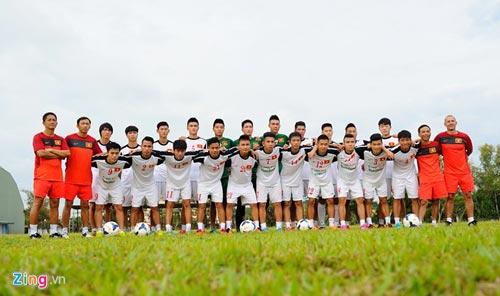 U19 Việt Nam tập bứt tốc như thần tượng Ronaldo ở Brunei - 11