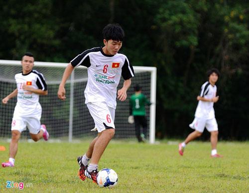 U19 Việt Nam tập bứt tốc như thần tượng Ronaldo ở Brunei - 2