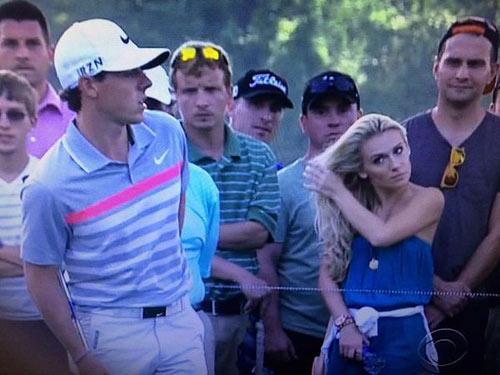 """Siêu mẫu muốn """"hút hồn"""" McIlroy trên sân golf - 1"""