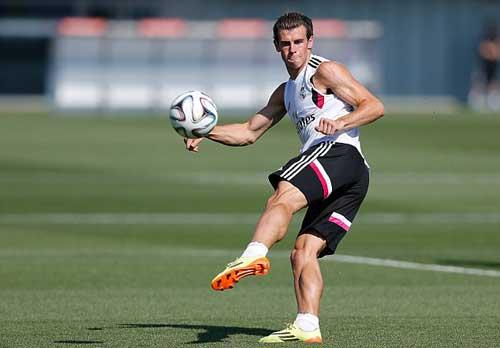 Bale khoe cơ bắp cuồn cuộn không kém Ronaldo - 3