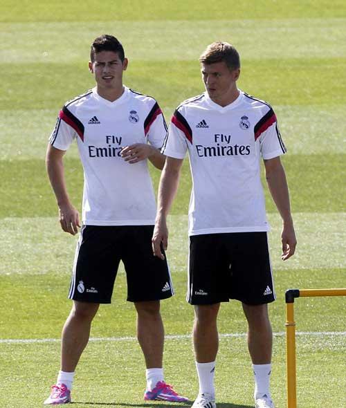 Bale khoe cơ bắp cuồn cuộn không kém Ronaldo - 5