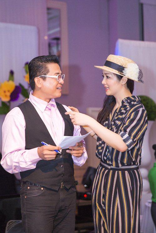 Giáng My nhí nhảnh bên MC Thanh Bạch - 1