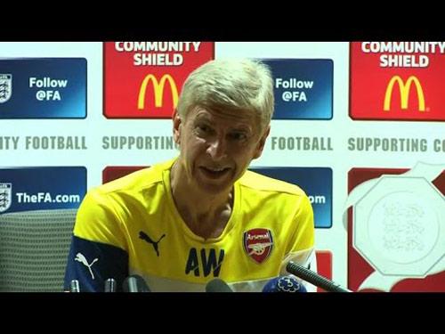 """Họp báo của Arsenal bị gián đoạn bởi """"nhạc lạ"""" - 1"""