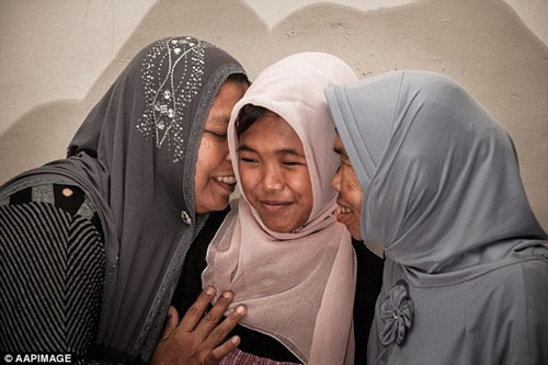 Cô bé đoàn tụ với gia đình sau 10 năm mất tích - 5