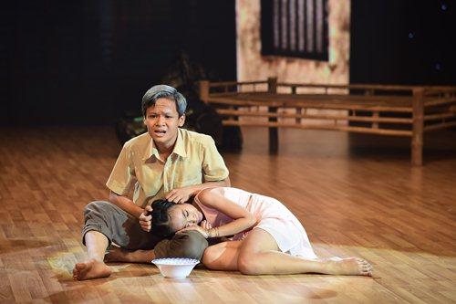 Giám khảo khóc nấc vì tiết mục múa tình cha con - 2