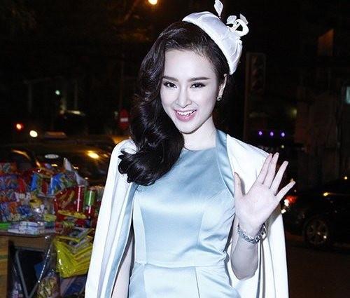 Những thói quen của người đẹp Việt khi tạo dáng - 2