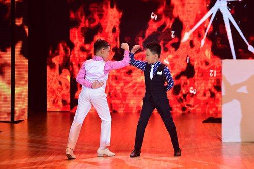 Yến Trang không nỡ chia cắt tình cảm của cặp hotboy - 3