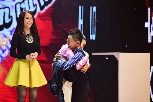 Yến Trang không nỡ chia cắt tình cảm của cặp hotboy - 2