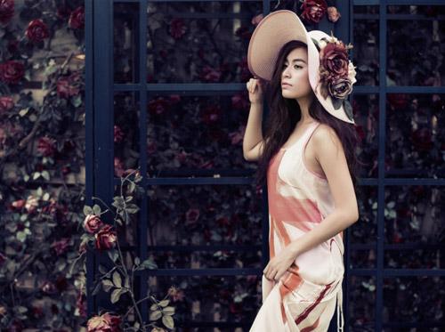 Hoàng Thùy Linh buông lơi vai trần đón tuổi 26 - 6
