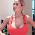 Thể thao - Đếm mỏi tay vì người mẫu siêu vòng 1 tập thể dục