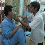 Sức khỏe đời sống - Bác sĩ tâm thần bị bệnh nhân 'ôm' trộm, đạp gẫy răng