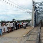 Tin tức trong ngày - Đi xe trên cầu đường sắt, nam thanh niên rơi xuống sông mất tích