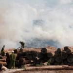 Tin tức trong ngày - Bình Định: Cháy dữ dội tại bãi gỗ cảng Quy Nhơn