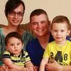 Cặp vợ chồng cùng chuyển giới sinh 2 con trai
