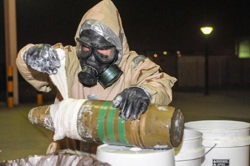 """Khủng bố bằng """"bom bẩn"""" Ebola: Ác mộng toàn cầu? (Kỳ 2) - 3"""