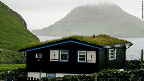 Những ngôi nhà mái cỏ độc đáo ở quần đảo Faroe - 7