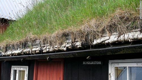 Những ngôi nhà mái cỏ độc đáo ở quần đảo Faroe - 12