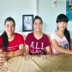 Giáo dục - du học - Kỳ tích chị em sinh ba cùng đỗ đại học