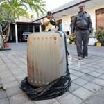 Tin tức trong ngày - Indonesia: Con gái giết mẹ, nhét xác vào vali