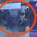 Tin tức trong ngày - TQ: Tóm gọn băng bà bầu chuyên trộm cắp quần áo