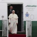 Tin tức trong ngày - Hàng không giá rẻ chở Giáo hoàng Francis gây sốt