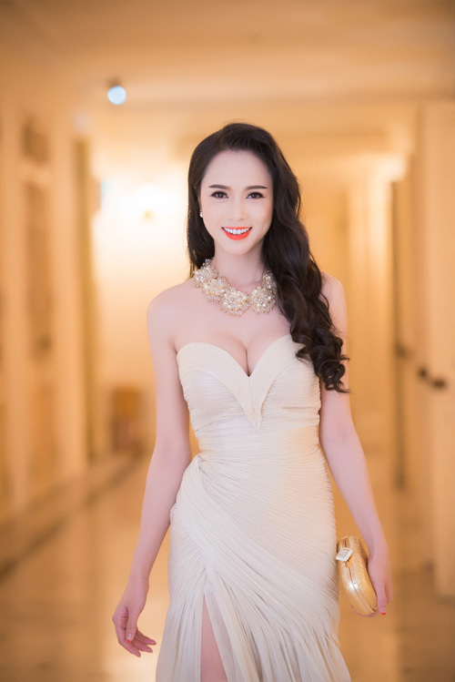 Mãn nhãn ngắm kiều nữ Việt quyến rũ tuần qua - 4