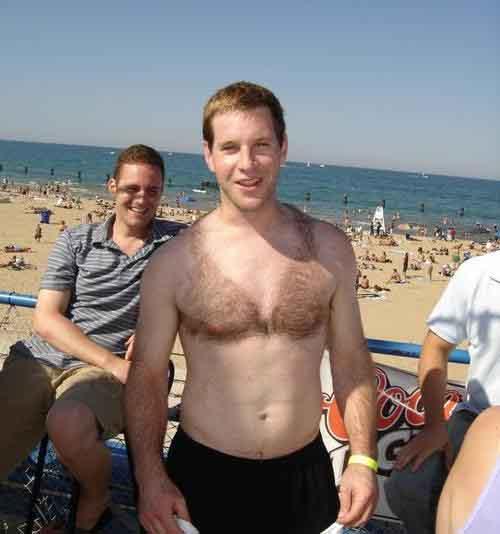 Nam giới chuộng mốt cạo lông ngực thành bikini - 2