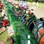 Thị trường - Tiêu dùng - Chợ công nhân sau hàng rào sắt ở Sài Gòn