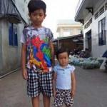 Sức khỏe đời sống - Bé 8 tuổi mắc bệnh lạ nặng 8 kg, cao 80 cm
