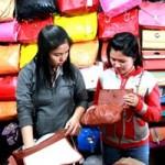 """Thời trang - Cách """"săn"""" hàng thời trang giá rẻ ở Sài Gòn"""