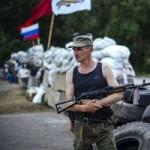 Tin tức trong ngày - Đoàn xe quân sự từ Nga đang tiến vào miền đông Ukraine