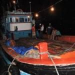 Tin tức trong ngày - Thêm tàu Việt bị người TQ đập phá tại Hoàng Sa