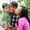 Hòa Hiệp ga lăng với mẹ con Việt Hương