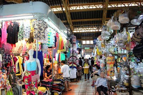 """Những ngôi chợ """"già"""" nổi tiếng nhất Sài Gòn - 14"""