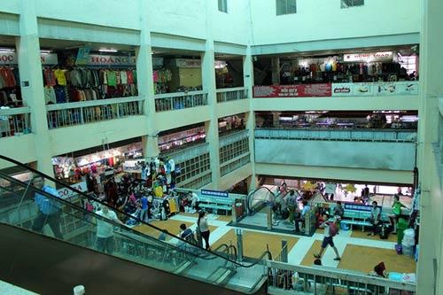 """Những ngôi chợ """"già"""" nổi tiếng nhất Sài Gòn - 10"""